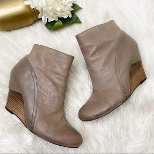 Vince Camuto Hillari Wedge Ankle Booties